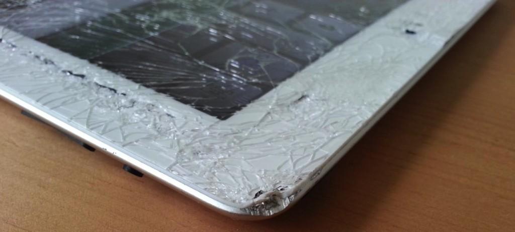 ipad 2 треснуло стекло планшета