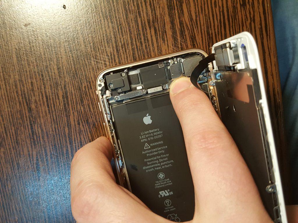 Вскрытие и осмотр айфона 8
